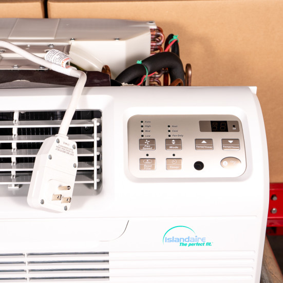 9,000 Btu Islandaire Through-the-Wall A/C with 1.0 kw Resistive Electric Heat - 115 V / 15A Product Image 3
